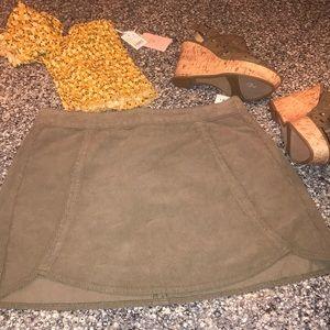 Pacsun miniskirt NWT Size 28 green corduroy